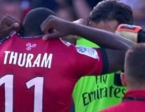 KHÓ TIN: Buffon đổi áo và hôn lên trán con trai đồng đội cũ