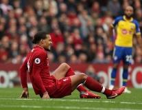 Hòn đá tảng 'rạn nứt', Liverpool thắng mà không vui