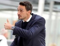 Cởi bỏ sức ép, dàn sao Bayern tự tin cao độ đặt chân đến Athens