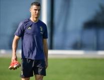 Xuất hiện điềm gở khiến CĐV Juventus lo âu trước cuộc thư hùng với Man Utd