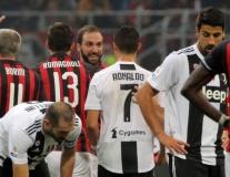 'Chỉ bài' lộ liễu, Ronaldo khiến Higuain giận dữ bật khóc trên sân