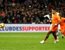 Chấm điểm Hà Lan: Depay thăng hoa, nhưng vẫn sau hai người