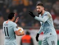 Giroud lập siêu phẩm đá phạt, Chelsea hòa kịch tính trên đất Hungary