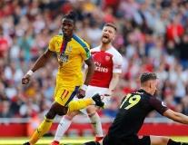 Mustafi nổi giận với đồng hương sau khi bị người cũ Man Utd qua mặt dễ dàng