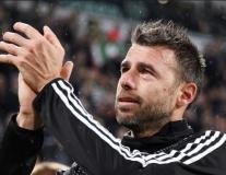 Andrea Barzagli rơi lệ trong ngày chia tay Juventus