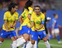 Huyền thoại nổ súng, nữ Brazil 99% giành vé đi tiếp