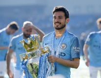 Đội hình Man City khi David Silva ra mắt như thế nào?