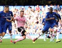 Hàng phòng ngự Chelsea chao đảo vì 'David Beckham mới'
