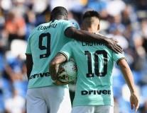 13 khoảnh khắc ấn tượng tại Serie A vào đêm qua: 'Chiến binh' Lukaku, người dơi xuất hiện
