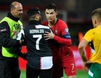 Lập hattrick cực đỉnh, Ronaldo có hành động gây sốt