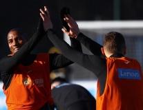 Ashley Young xuất hiện, Sanchez và Lukaku cười rạng rỡ tại Inter Milan