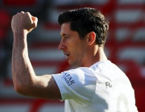 Lewandowski lập cột mốc khủng, Bayern Munich thắng trận thứ 6 liên tiếp