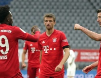 Khai 'súng thần công', Bayern Munich vùi dập đối thủ không thương tiếc