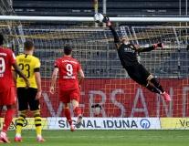 Ngày Haaland, Sancho im tiếng, Kimmich 'xúc thìa' như Totti khiến Dortmund chết lặng