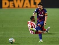 Ngôi đền 700 bàn Messi vừa bước vào có mặt những huyền thoại nào?