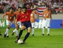 Những hậu vệ ghi bàn 'bá đạo' nhất: Ramos chỉ xếp thứ 6