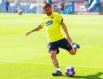 Tái đấu Napoli, Barca chuyển sang chơi 3 hậu vệ