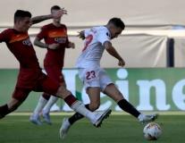 Vắng Smalling, hàng thủ Roma tan nát trước Sevilla
