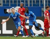 Bundesliga rung chuyển, Manuel Neuer phải vào lưới nhặt bóng 4 lần