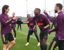 Đồng đội mới 'chỉ tay thẳng mặt' Cavani ở buổi tập thứ 2 tại M.U