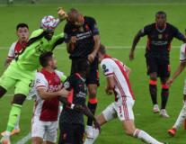 Mất Van Dijk, Klopp tìm ra 'siêu đá tảng' mới ở hàng thủ