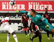 Ngược dòng thành công, Bayern vẫn mong manh với ngôi đầu