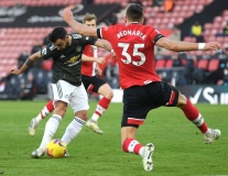 Bruno Fernandes quá khủng khiếp, Man Utd đã có 'máy quét' số 1 Premier League