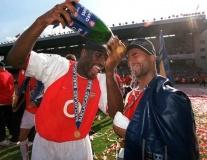 7 cầu thủ từng khoác áo Arsenal và Tottenham: Số 10 kỳ lạ, gã Judas góp mặt