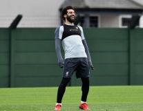 Dàn sao Liverpool làm gì khi biết đối thủ mất 'trọng pháo'?