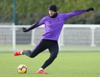 Vắng Kane, sân tập Tottenham vẫn rộn tiếng cười