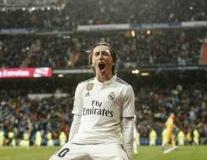 Real ngó lơ siêu nhạc trưởng, thành Milan 'thừa nước đục thả câu'