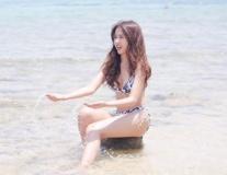Bạn gái sao Thái Lan khoe vòng 3 khó cưỡng lại