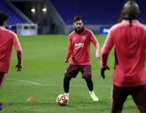 Valverde bí ẩn, Barca âm mưu gì trước Lyon?