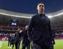 Ronaldo lạnh lùng dẫn đầu dàn soái ca ngày về Madrid