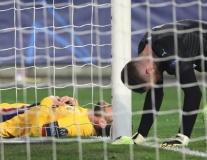 Không thể ngăn cản Messi, Barca giành ngôi đầu bảng tử thần từ Dortmund