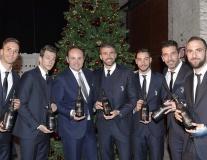 Sao Juventus hóa 'soái ca' trong trong dạ tiệc giáng sinh