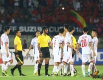 ĐT Việt Nam hòa Myanmar 0-0: HLV Park Hang-seo tiếc đứt ruột, học trò 'bao vây' trọng tài