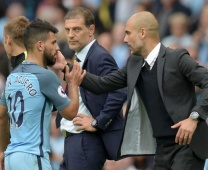 Man City thở phào vì Stones, lo lắng cho Aguero