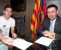 Barcelona gia hạn hợp đồng với Messi