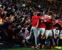 Fan Man United gãy chân sau màn ăn mừng với Rashford