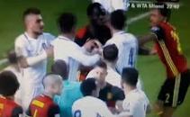 Màn đánh nhau giữa Romelu Lukaku và Kostas Manolas