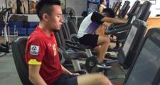 Huy Toàn trở lại tập gym sau chấn thương gãy tay