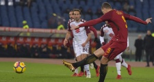 Dzeko sút hỏng penalty, Roma dừng bước tại Coppa Italia
