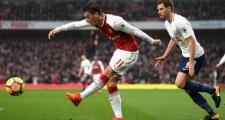 Unai Emery tiết lộ kế hoạch 'trẻ hóa' Mesut Ozil