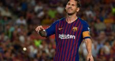 Tân binh nhận thẻ đỏ, Barcelona toát 'mồ hôi hột' tại Camp Nou