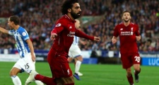 Gary Neville: 'Man Utd cần phải có những Salah hay Mane'