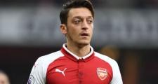 Vì Ozil, Emery thẳng thừng phản bác Wenger