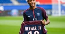 Nhìn lại một năm sau vụ 'siêu bom tấn' Neymar: Ai được, ai mất?