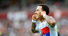 Memphis Depay lập siêu phẩm đá phạt trong ngày khai màn Ligue 1
