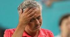 Mourinho: Hãy hình dung Tuanzebe đụng Lewandowski, Mitchell đối đầu Robben